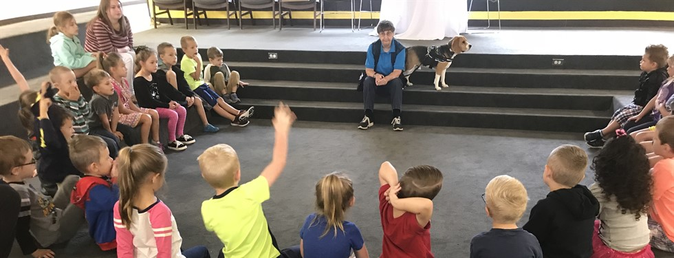 Therapy dog visits Kindergarten